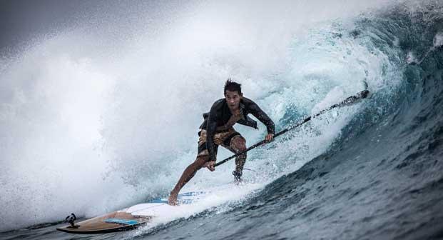 Don't Crack Under Pressure: un surfista in azione in un'immagine del film