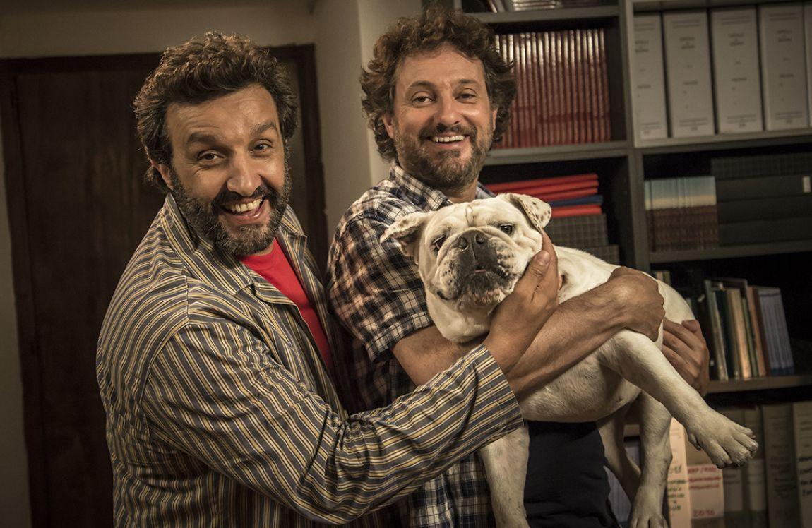Il professor Cenerentolo: Flavio Insinna e Leonardo Pieraccioni in un'immagine promozionale del film