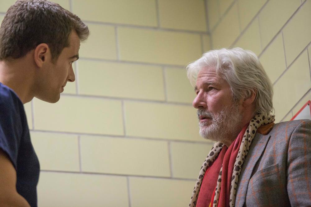 Franny: Richard Gere e Theo James in una scena del film