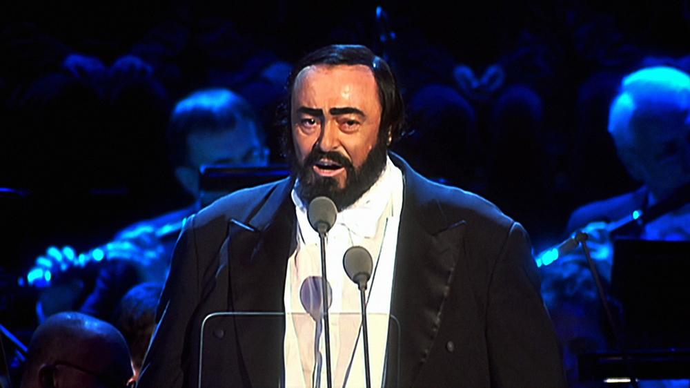 Pavarotti - Il concerto di Natale: Luciano Pavarotti sul palco