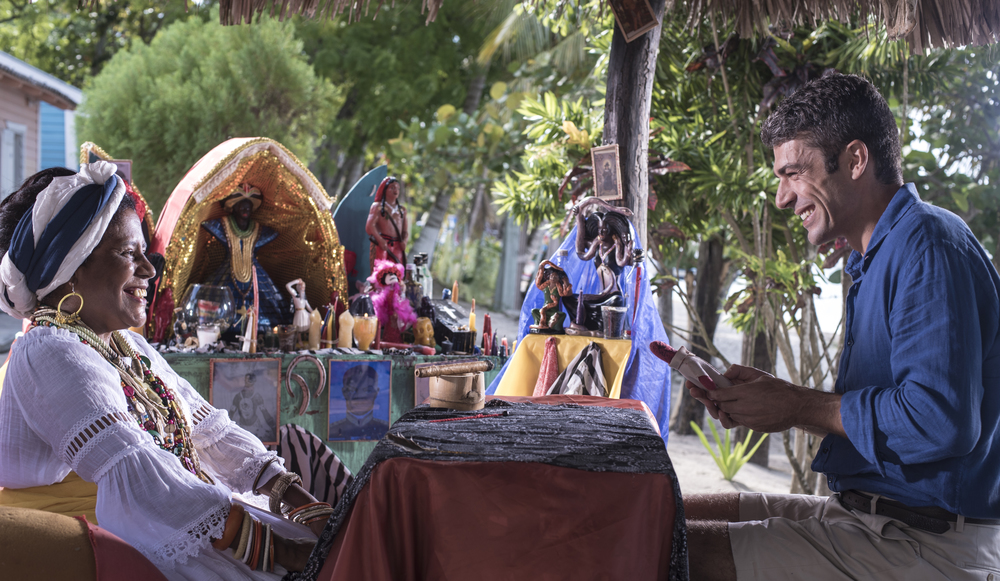 Vacanze ai Caraibi: Luca Argentero in una scena del film