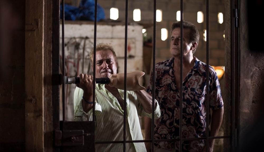 Vacanze ai Caraibi: Massimo Ghini e Christian De Sica in una scena del film