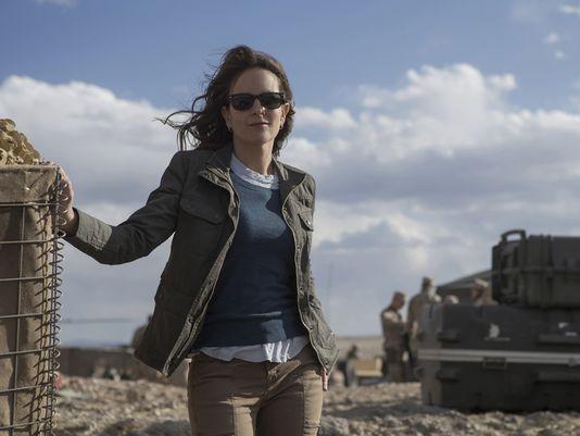 Whiskey Tango Foxtrot: Tina Fey interpreta una giornalista nel suo nuovo film
