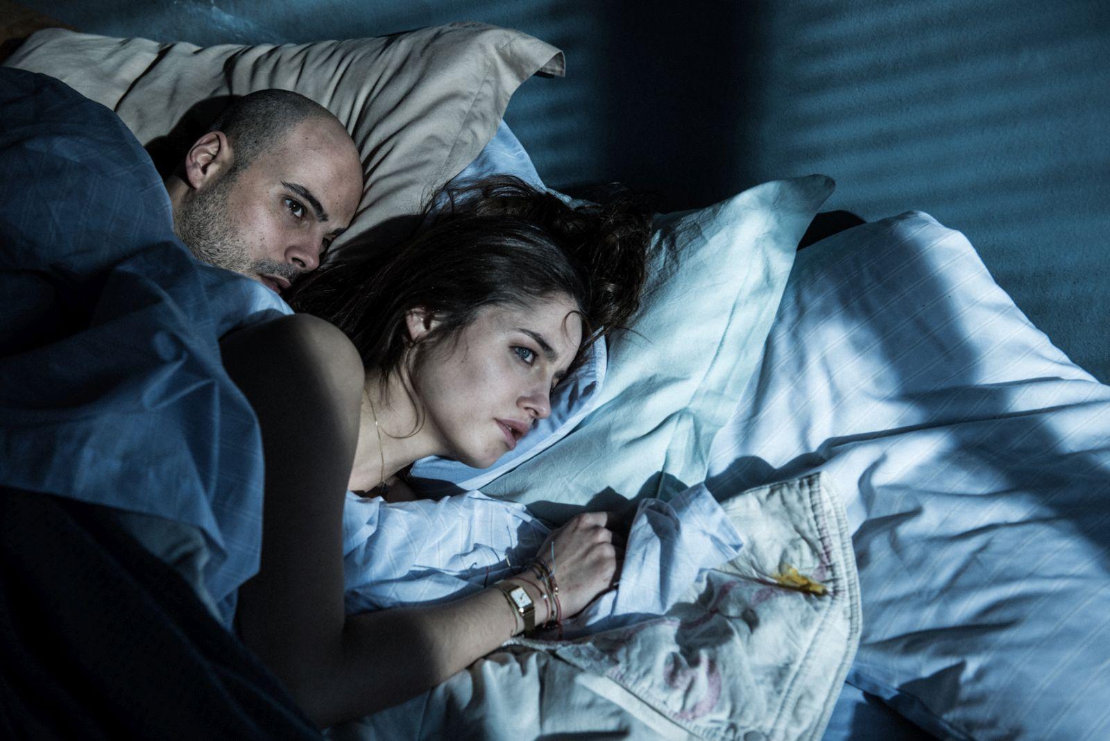 Un posto sicuro: Matilde Gioli e Marco D'Amore in un intenso momento del film