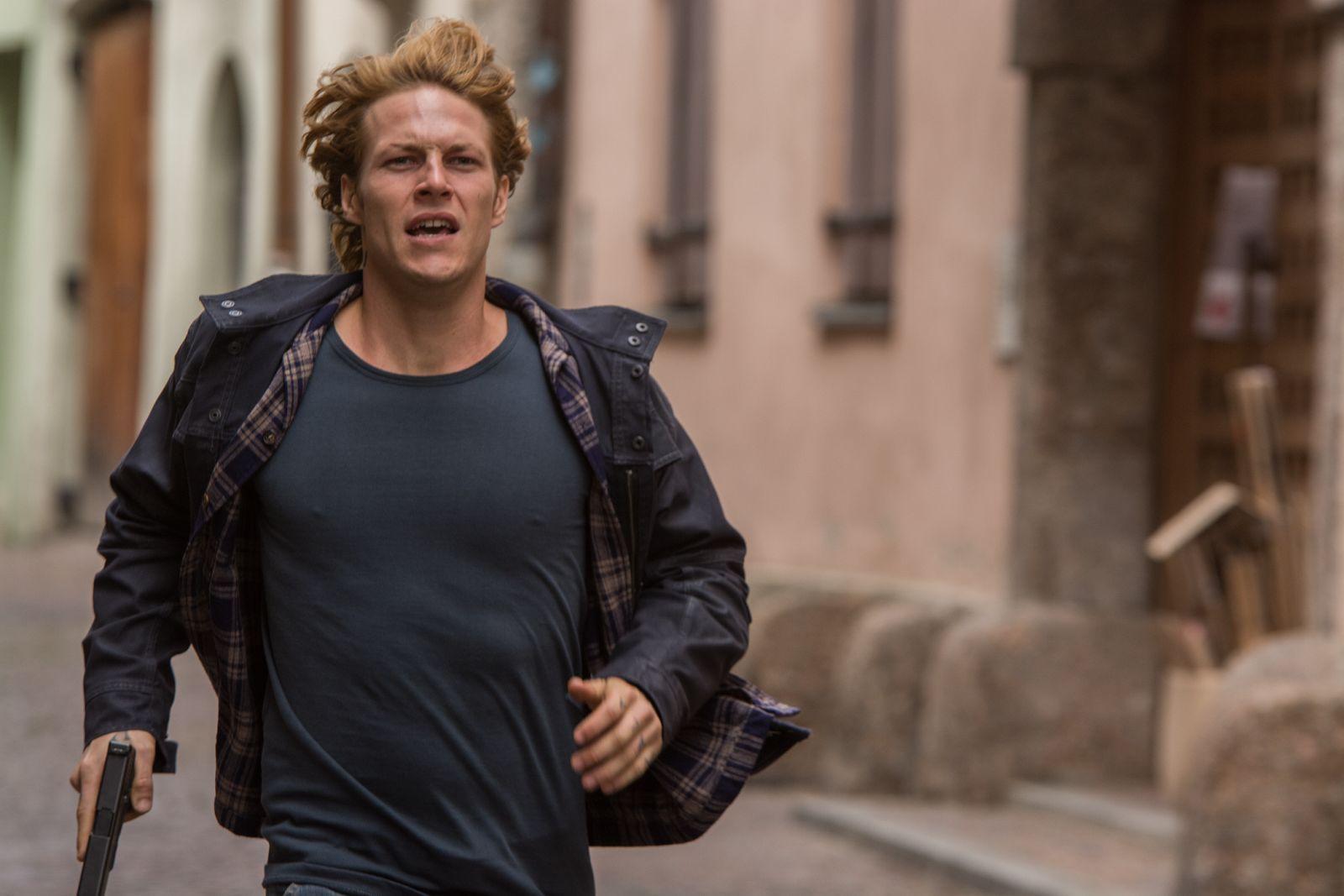 Point Break: Luke Bracey in una scena del film