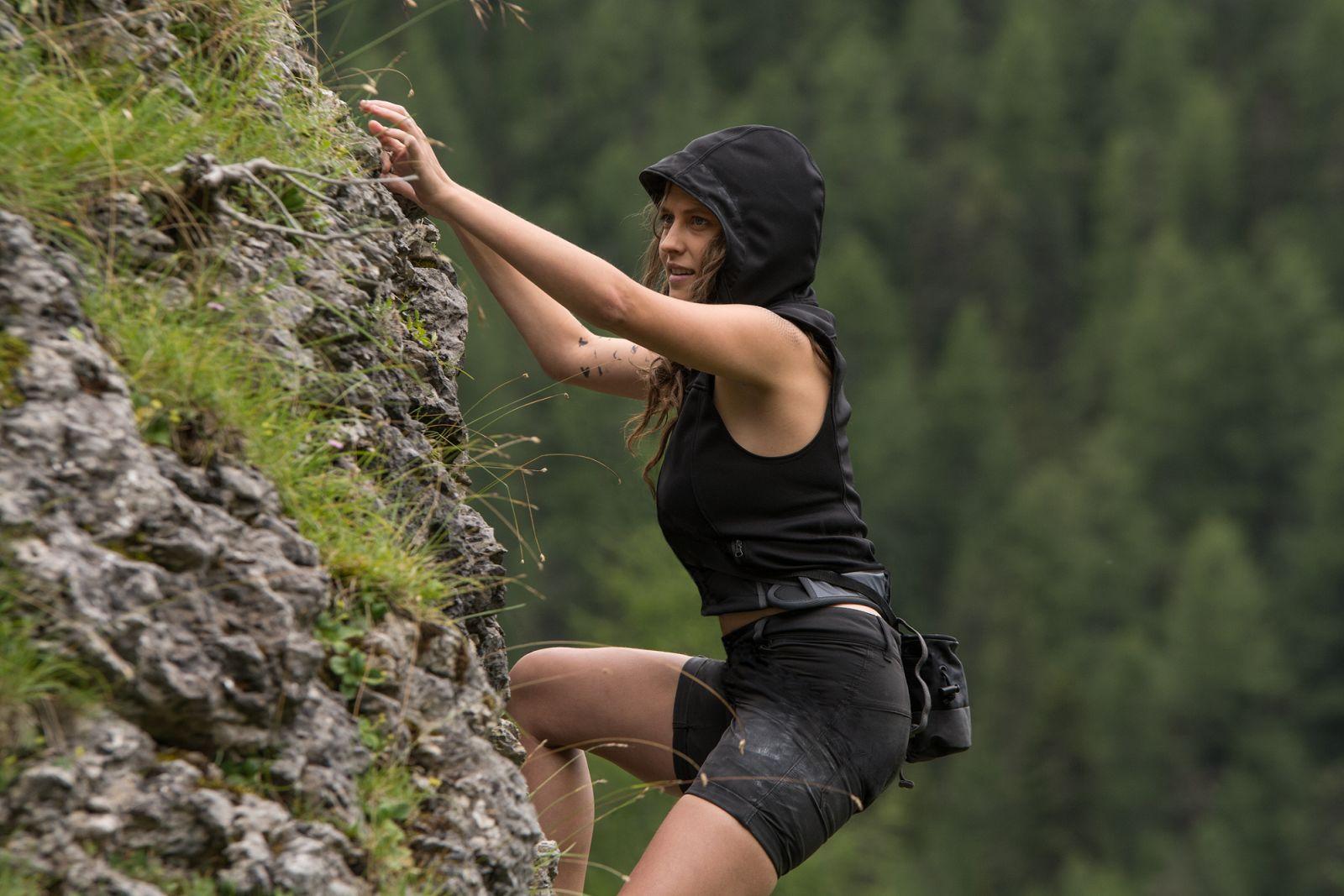 Point Break: Teresa Palmer in una scena del film