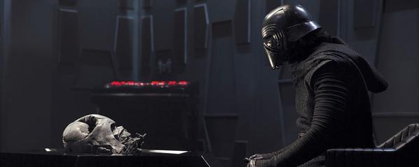 Star Wars: Il Risveglio della Forza - Una nuova foto di Kylo Ren