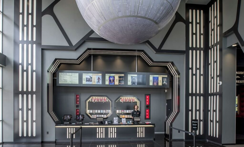 Star Wars: il risveglio della forza - Un'immagine del cinema di Omaha a tema Star Wars
