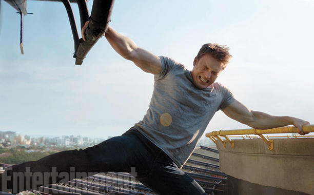 Captain America: Civil War - Chris Evans in una spettacolare foto del film