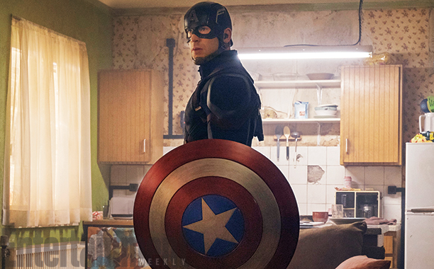 Captain America: Civil War - L'attore Chris Evans in una foto del film