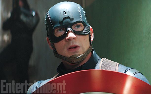 Captain America: Civil War - Chris Evans in una foto del film