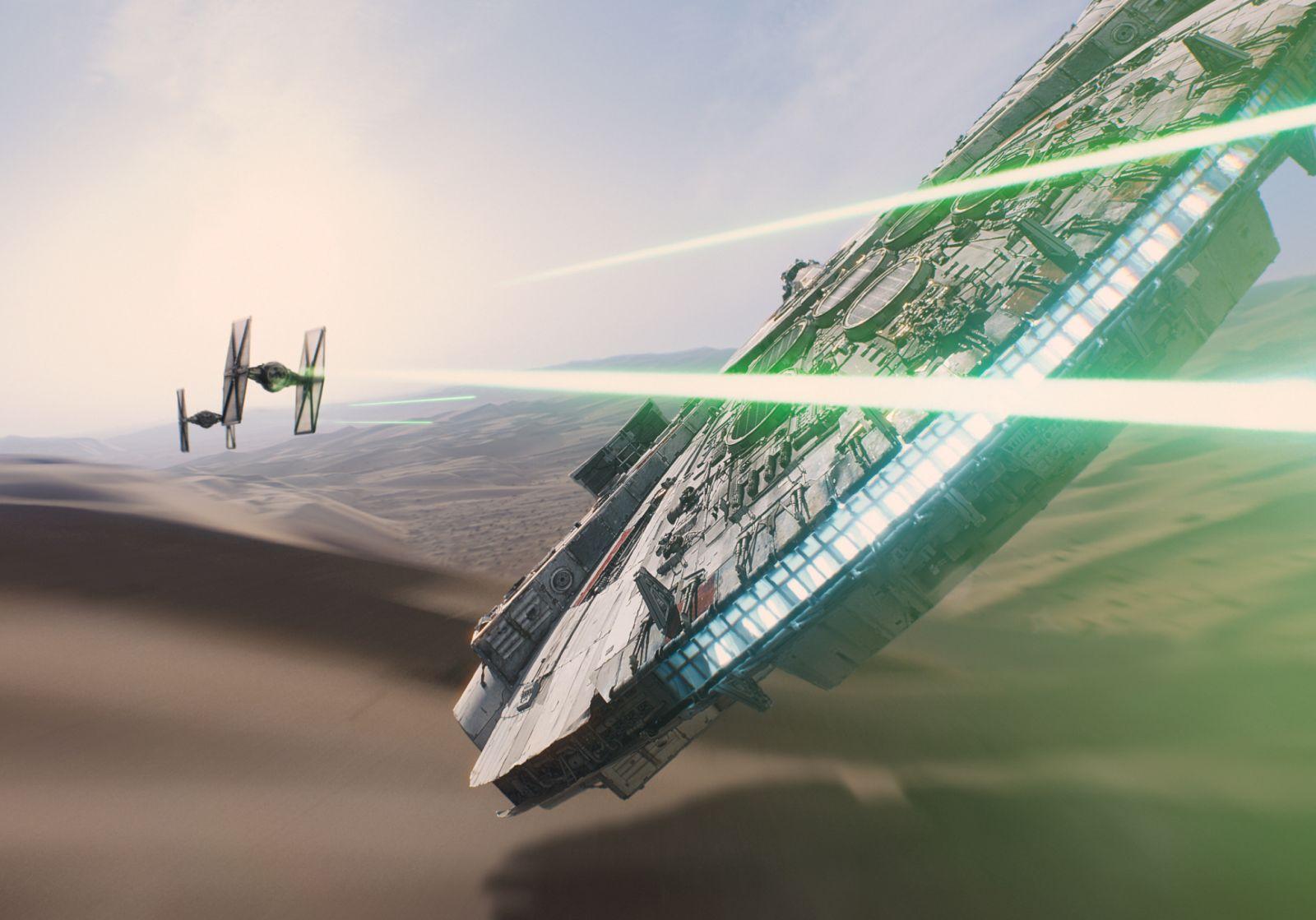 Star Wars: Il risveglio della forza, una scena d'azione del film di J.J. Abrams