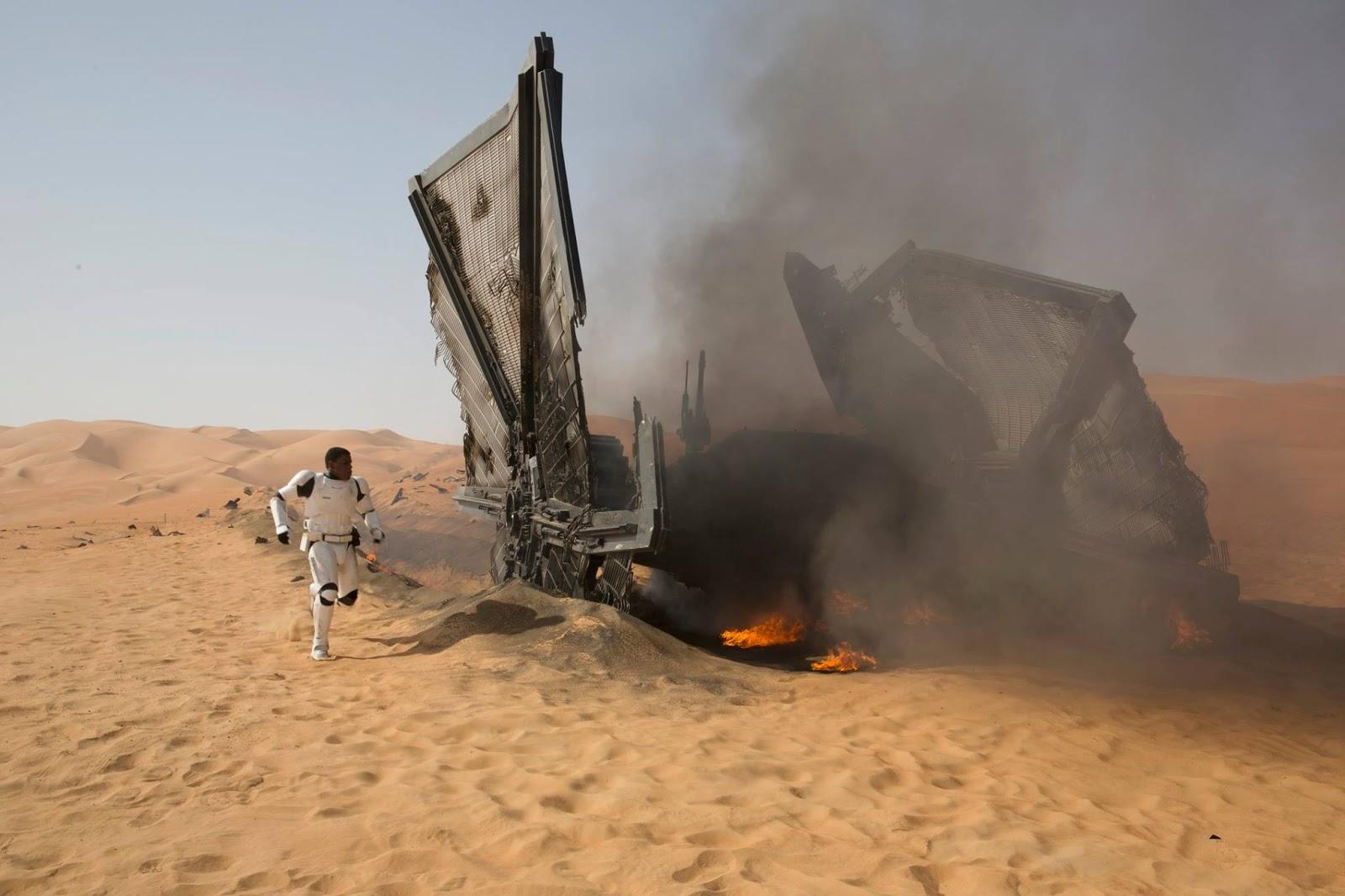 Star Wars: Il risveglio della forza, John Boyega in un'immagine tratta dal film