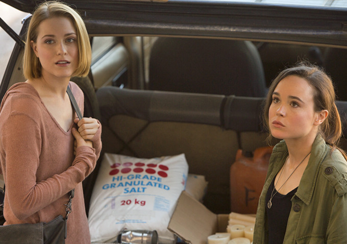 Into the Forest: Ellen Page ed Evan Rachel Wood si contendono una tanica