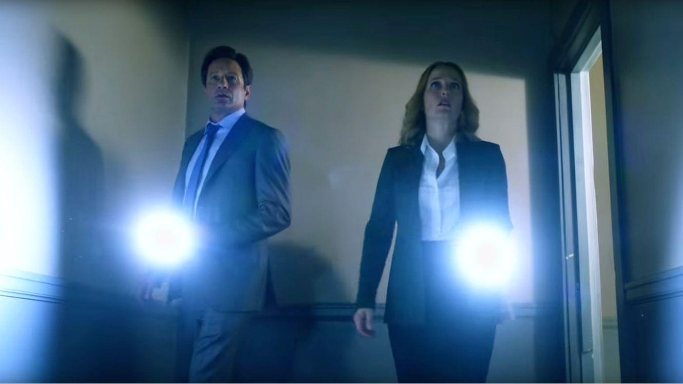 X-Files: David Duchovny e Gillian Anderson nella stagione 10