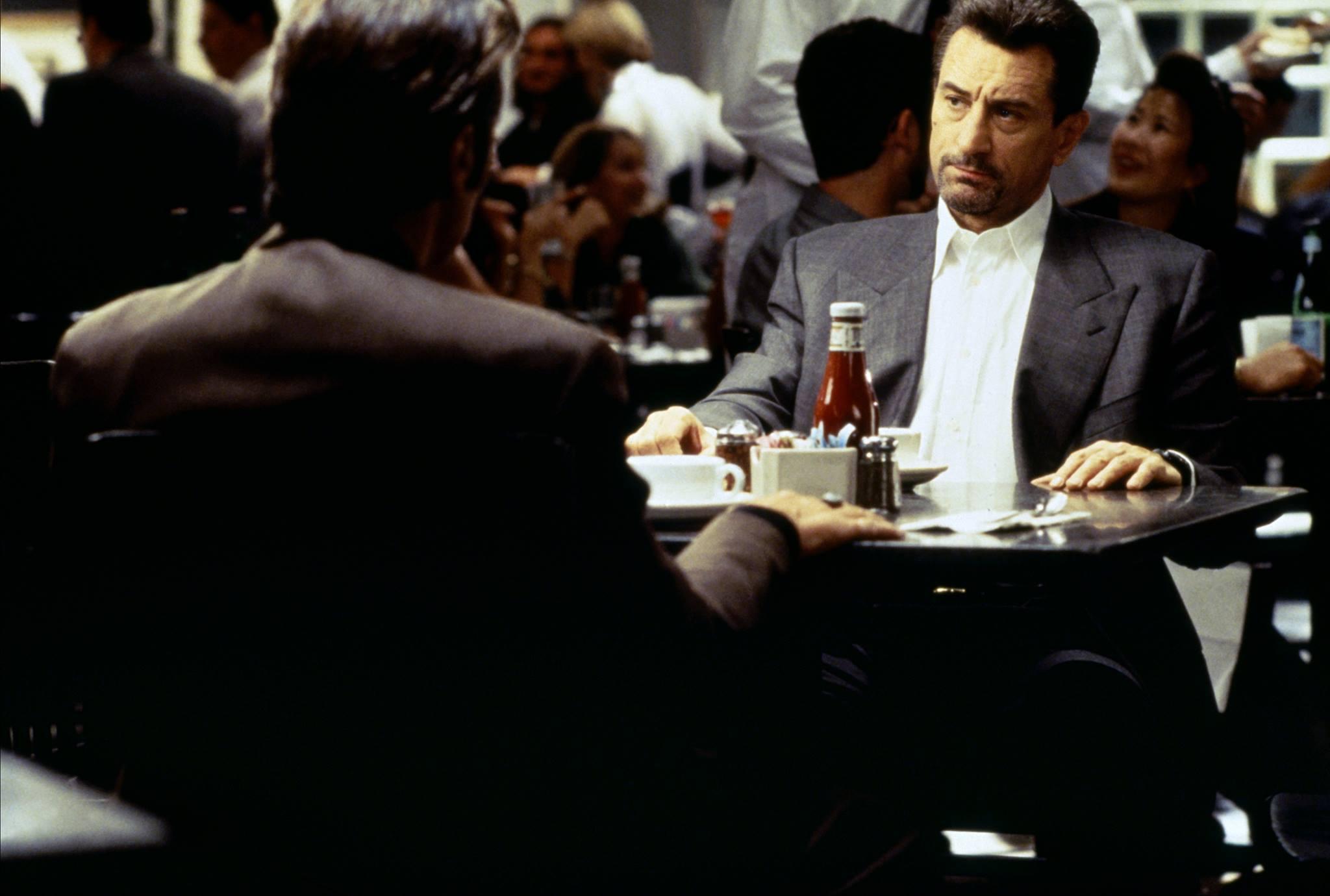 Heat - La sfida: una celebre scena con Al Pacino e Robert De Niro