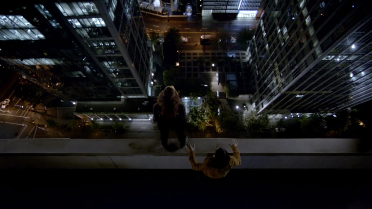 The Flash: Ciara Renée e Carlos Valdes in un'immagine dell'episodio Legends of Today