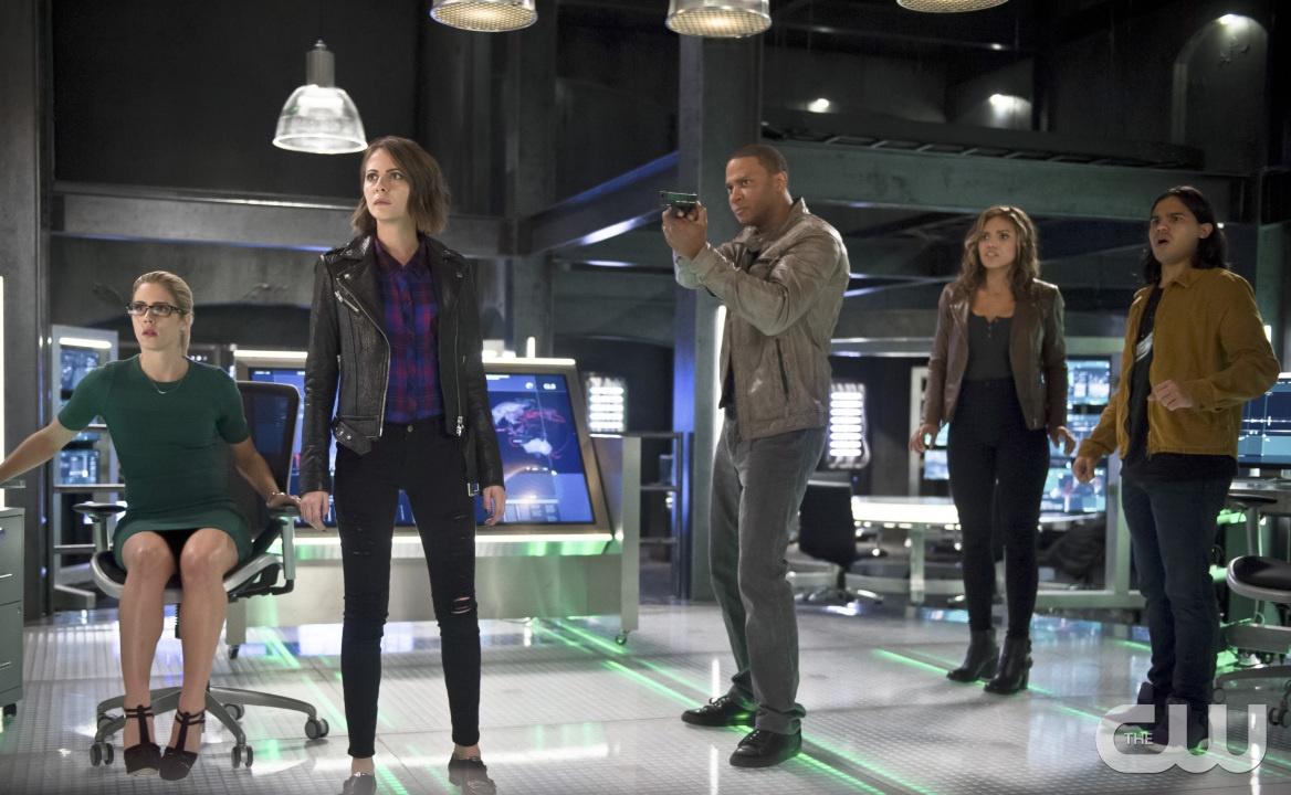 The Flash: Emily Bett Rickards, Willa Holland, David Ramsey, Ciara Renée e Carlos Valdes in Legends of Today