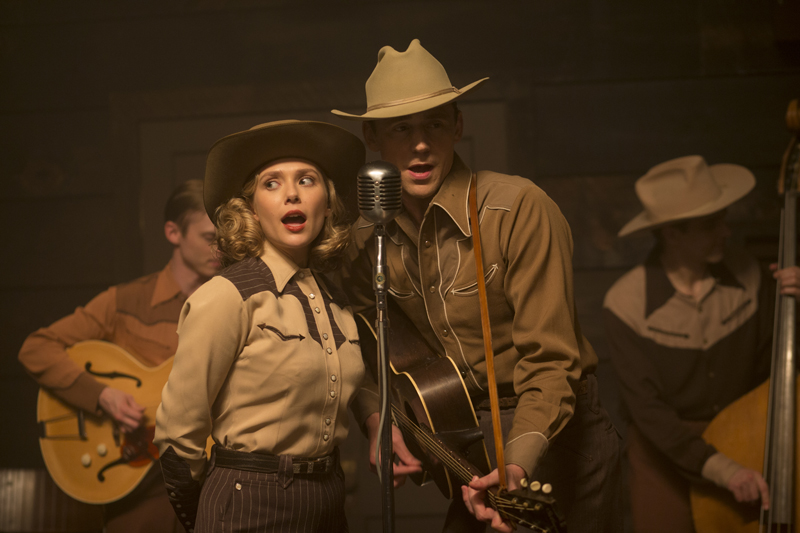 I Saw The Light - Tom Hiddleston ed Elizabeth Olsen cantano insieme