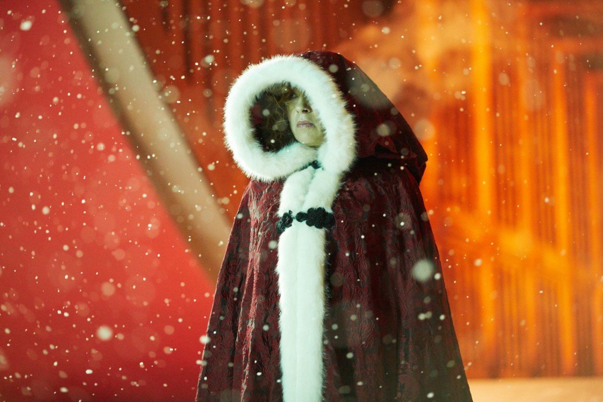 Doctor Who: l'attrice Alex Kingston in una foto di The Husbands of River Song