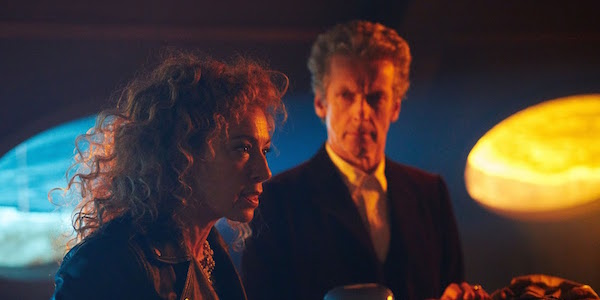 Doctor Who: i protagonisti Alex Kingston e Peter Capaldi in The Husbands of River Song