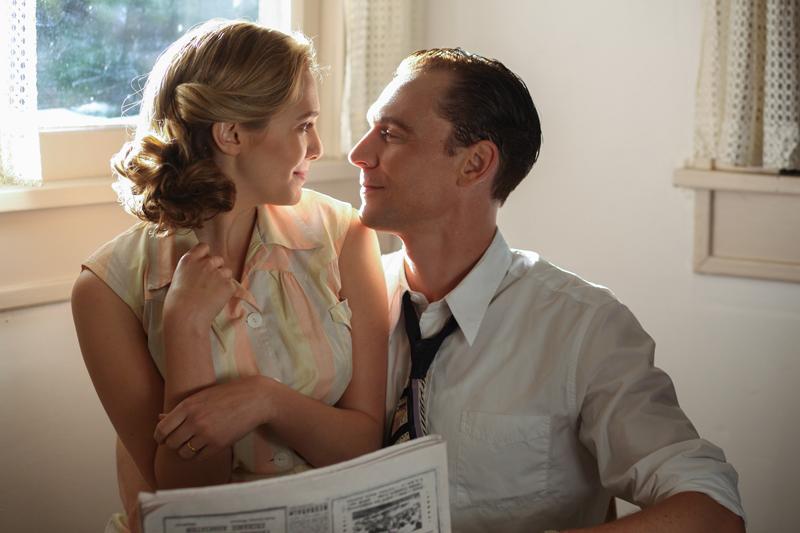 I Saw The Light: un  momento romantico tra Tom Hiddleston e Elizabeth Olsen