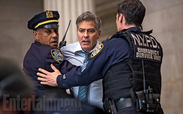 Money Monster: George Clooney bloccato da due agenti