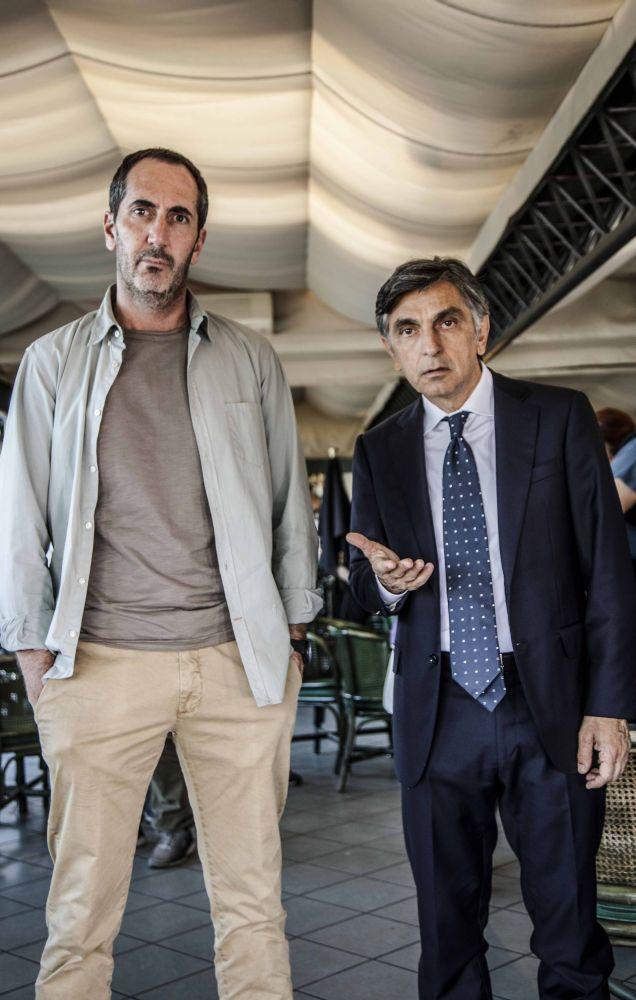 Se mi lasci non vale - Paolo Calabresi con Vincenzo Salemme nel film