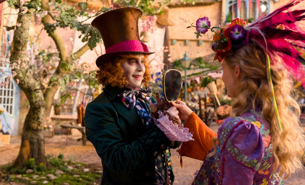 Alice attraverso lo specchio: la prima immagine di Johnny Depp e Mia Wasikovska
