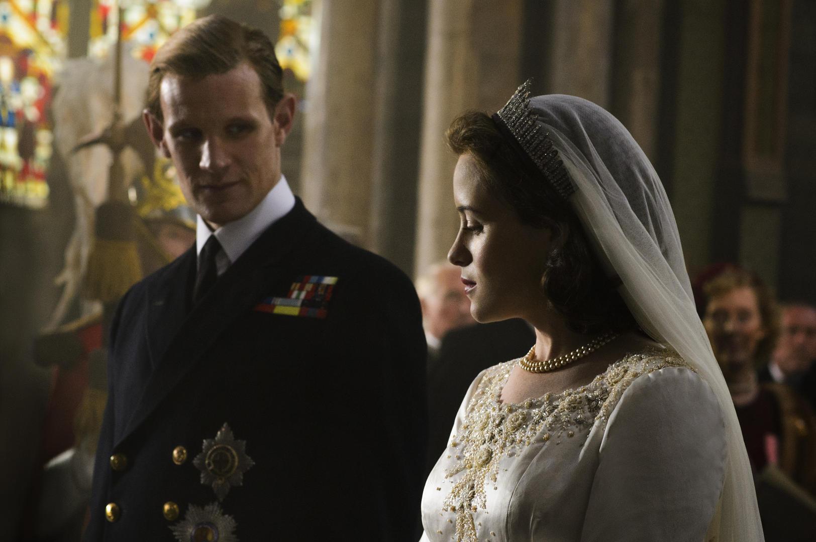 The Crown: Claire Foy e Matt Smith in un momento della serie con