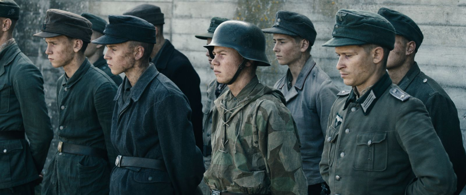 Land of Mine: un'immagine tratta dal film