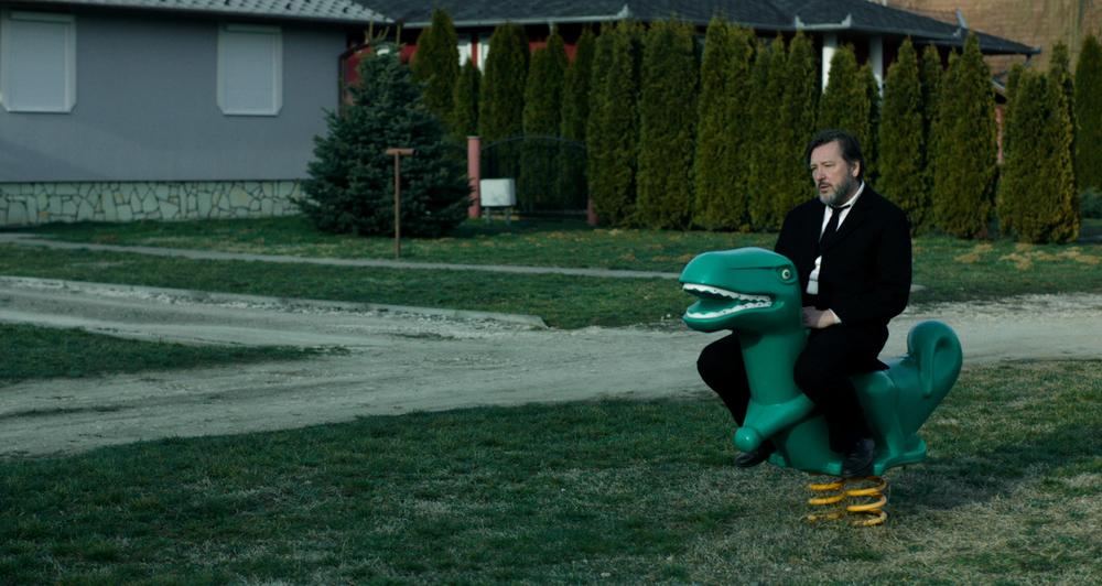 Mózes, il pesce e la colomba: László Gálffi in una scena del film ungherese
