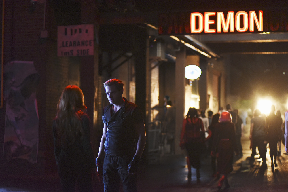 Shadowhunters: una foto del pilot The Mortal Cup