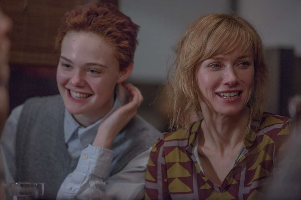 About Ray: Elle Fanning e Naomi Watts in una scena del film