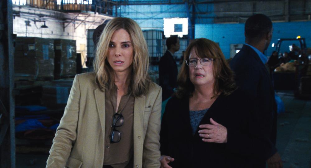 All'ultimo voto: Sandra Bullock e Ann Dowd in una scena del film