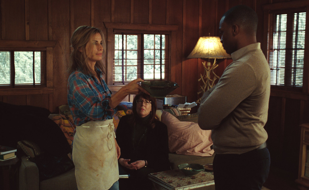 All'ultimo voto: Sandra Bullock, Anthony Mackie e Ann Dowd in una scena del film