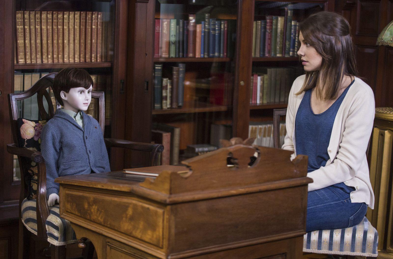 The Boy: Lauren Cohan con la bambola che deve accudire