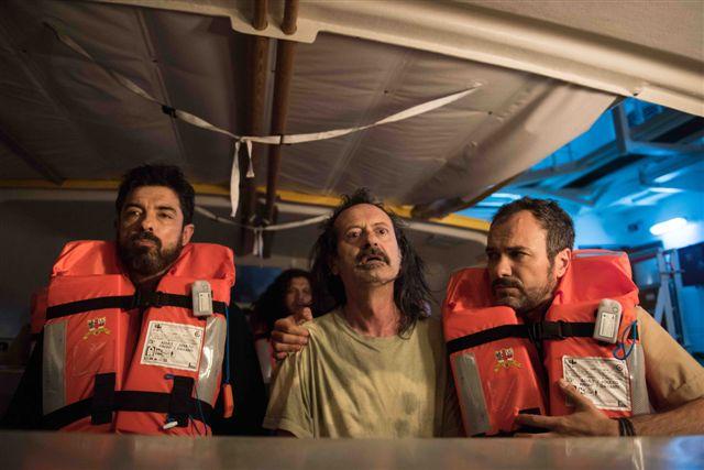 Onda su onda: Alessandro Gassman, Rocco Papaleo e Massimiliano Gallo in una scena del film