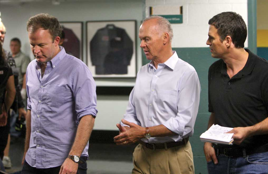 Il caso Spotlight: Michael Keaton, Mark Ruffalo e il regista Tom McCarthy sul set del film
