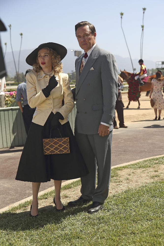 Agent Carter: Wynn Everett interpreta Whitney Frost nell'episodio The Lady in the Lake
