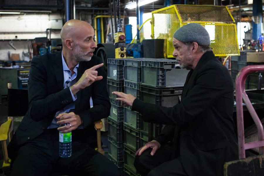 Boris Sans Béatrice - James Hyndman discute con Denis Lavant in fabbrica
