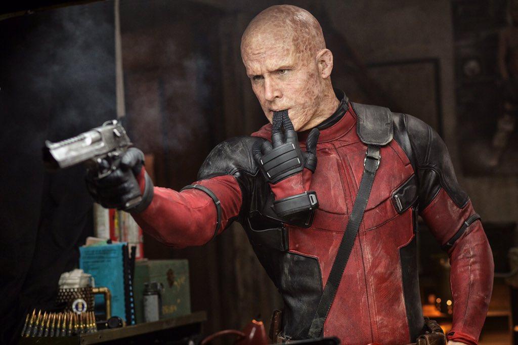 Deadpool: Wade Wilson senza maschera in una foto del film