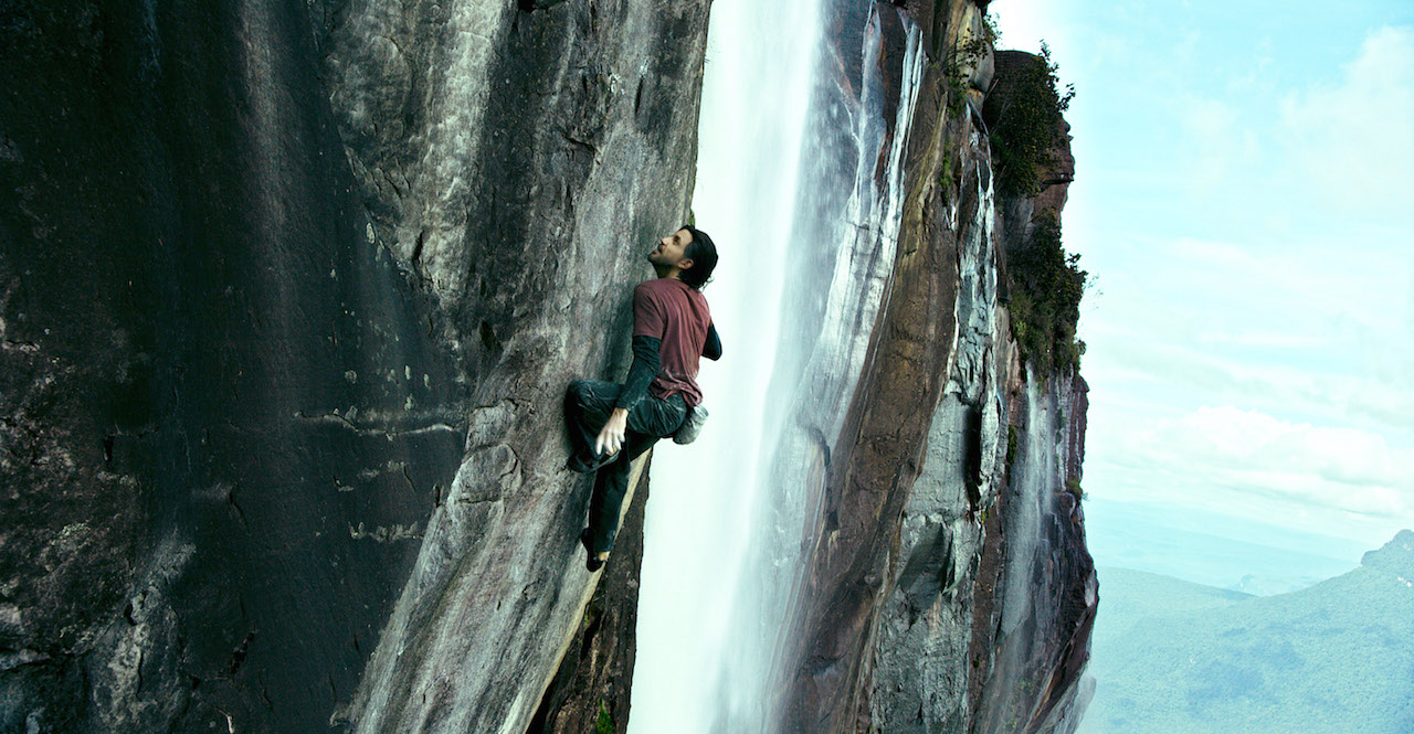 Point Break: Edgar Ramirez intento a fare free climbing