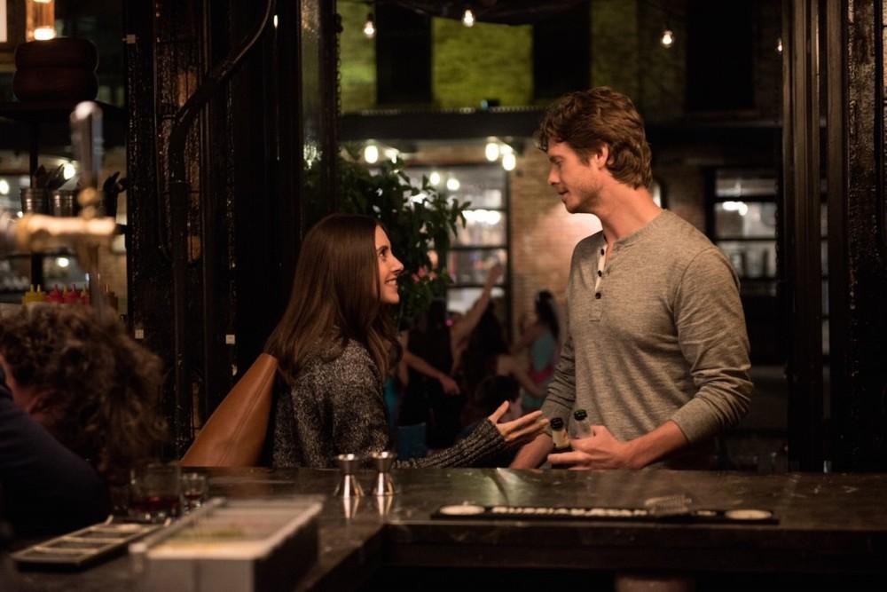 Single ma non troppo: Alison Brie e Anders Holm in una scena del film