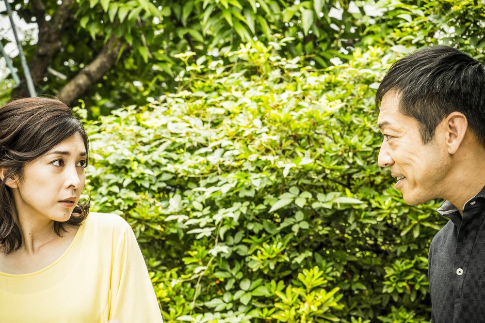 Creepy: Yuko Takeuchi e Teruyuki Kagawa in una scena del film