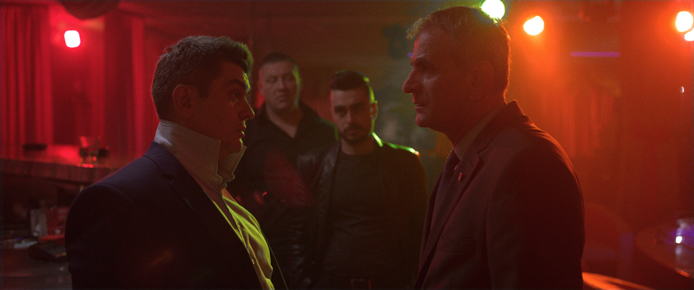 Death in Sarajevo: Aleksandar Seksan e Izudin Bajrovic in una scena del film