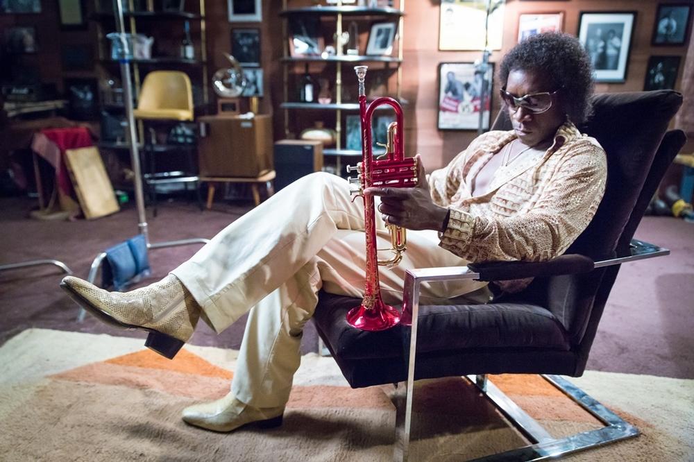 Miles Ahead: Don Cheadle in una scena del film da lui stesso diretto