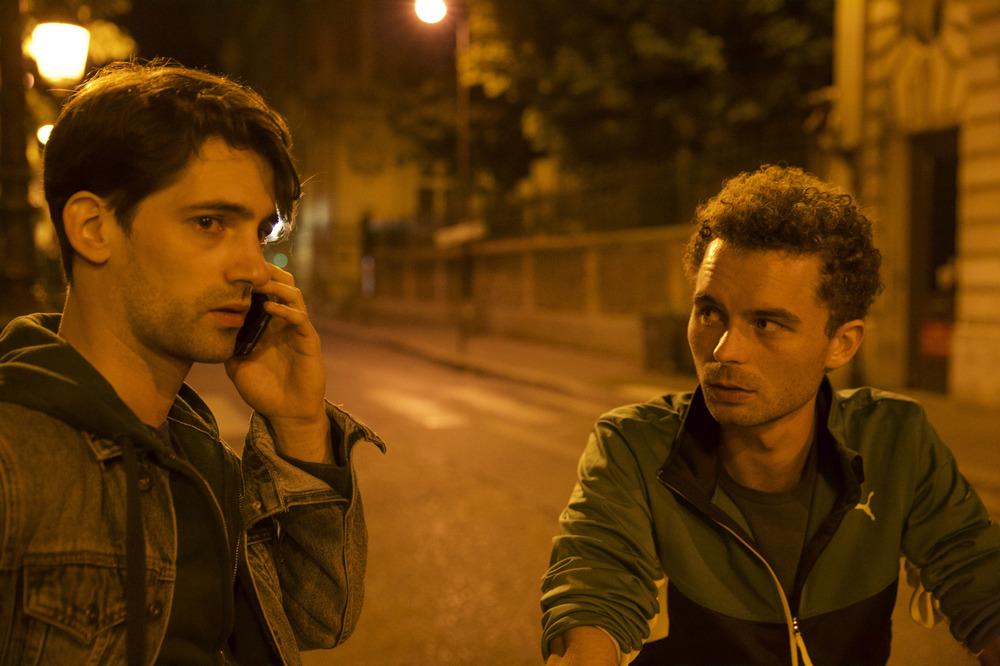 Paris 05:59, François Nambot e Geoffrey Couet in una scena del film