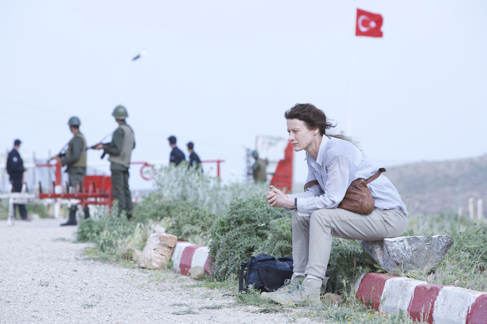 Road to Istanbul: Astrid Whettnal in un momento del film