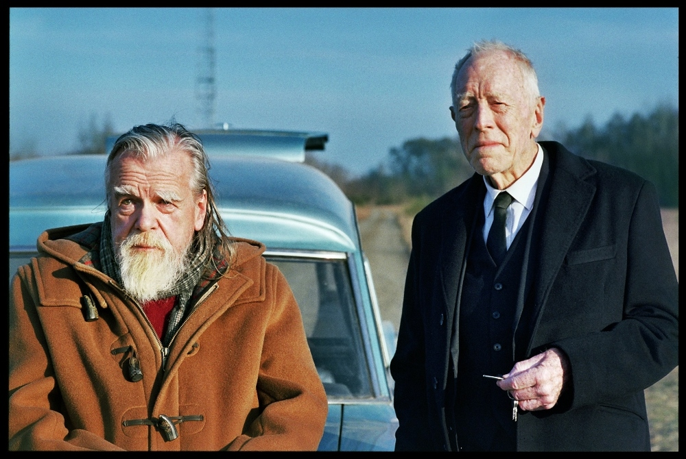 The First, the Last: Michael Lonsdale e Max von Sydow in una scena del film